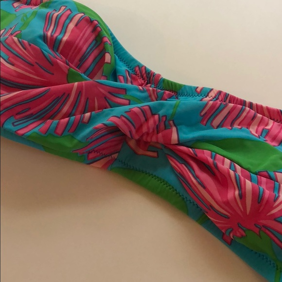 Lilly Pulitzer swimsuit top - size medium